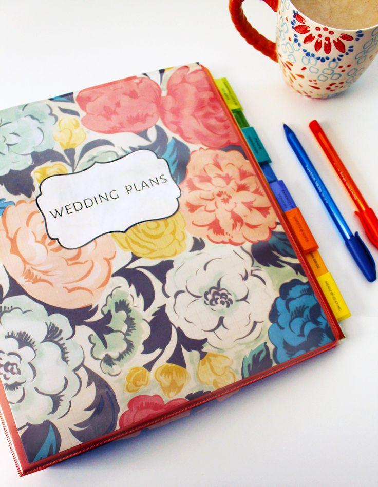 DIY Wedding Binder Tutorial - Free printables in the post!