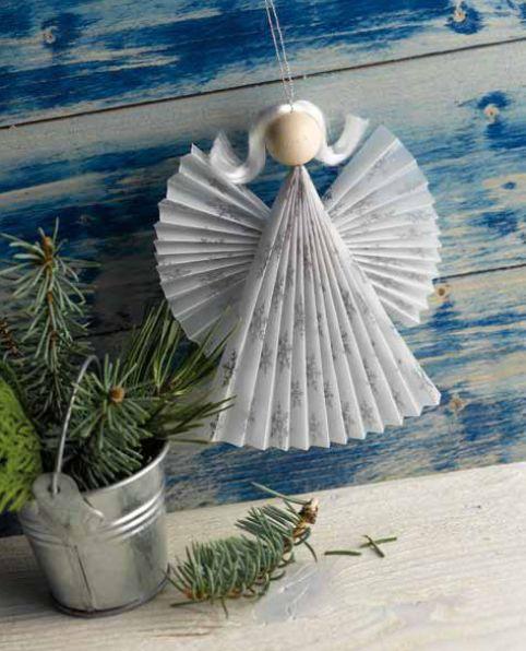 Blauer Himmelsbote, aus unserem Buch 'Zauberhafte Papierengel': http://www.topp-kreativ.de/zauberhafte-papierengel-4057.html