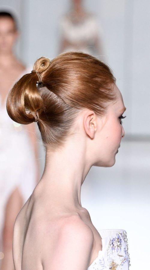 Brautjungfer Frisuren, die Sie im Jahr 2018 ausprobieren möchten
