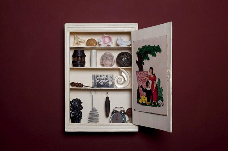Mark Dion -  Medicine cabinet of Mysteries; 2013