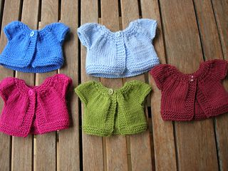 The perfect little sweater that I was looking for-free pattern on Ravelry