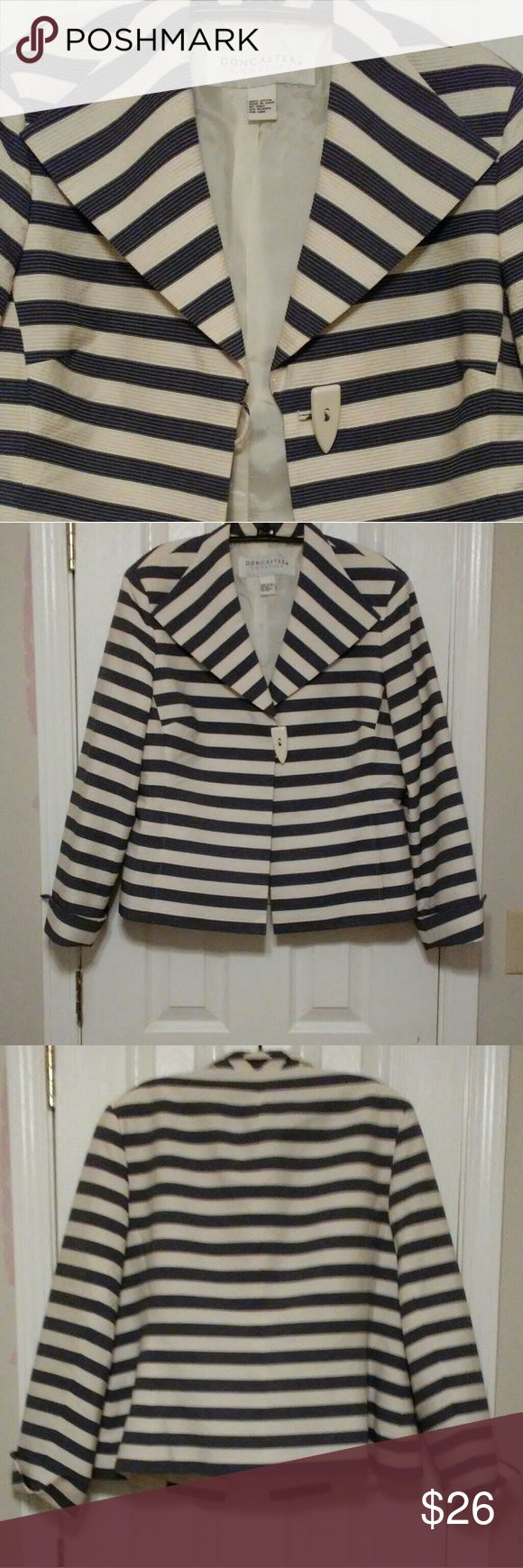 🌟🆕Gorgeous blazer -EUC-never worn -fully lined -navy and white stripe -the style is flattering  -size 16,fits more like 14 due to the lining and if you are big busted -cuffed at wrists -back darts, front pockets Doncaster Jackets & Coats Blazers