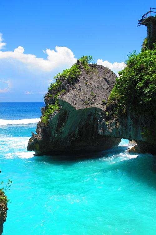 Praia e estilo de vida praiana, moda e acessórios. Lugares pra curtir a vida com tranquilidade.