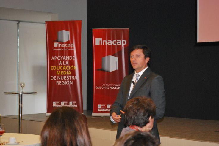 Vicerrector  Andrés López
