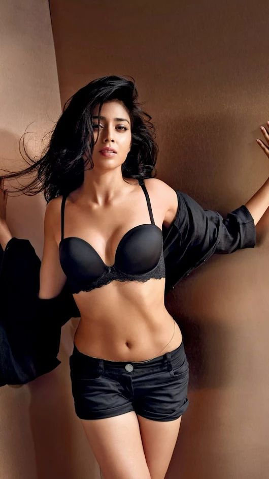 shriya saran hot naked wallpapers
