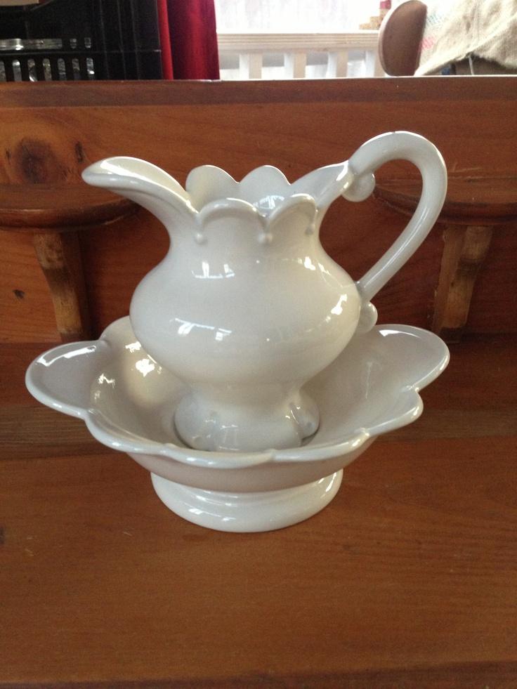 16 best pitchers and bowls images on pinterest bowl set porcelain and dish sets. Black Bedroom Furniture Sets. Home Design Ideas