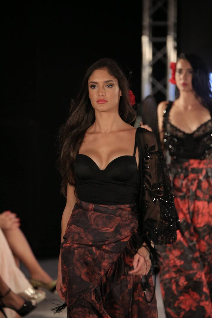 Agua na Boca Collection  Flamenco inspired by Daniela Poggi #fashionshow #luxe #dress