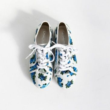 [Flower Sneakers] Canvas #sneakers, #plimsolls featuring an allover floral print. Lace-up top. Round toe. #shoes #casualshoes #koreanshoes #shopping #casualsneakers #kpopfashion