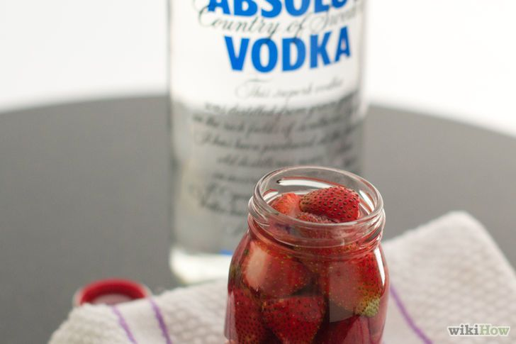 Image titled Make Vodka Soaked Strawberries Step 4