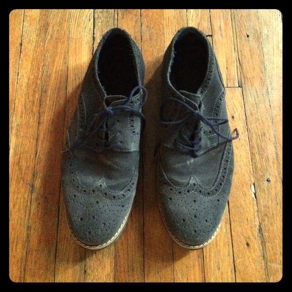Men's Aldo gray suede Oxford lace up shoes Men's Aldo suede Oxford shoes  size 42 with