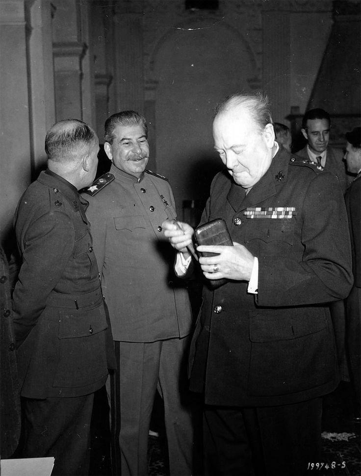 Stalin und Churchill in Livadia Palace während der Konferenz von Jalta, Februar 1945
