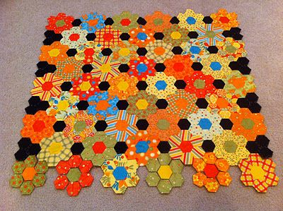 Not crazy about orange but this is stunning! Suzy's Quilting Room: Buzzzzzzy as a Bee