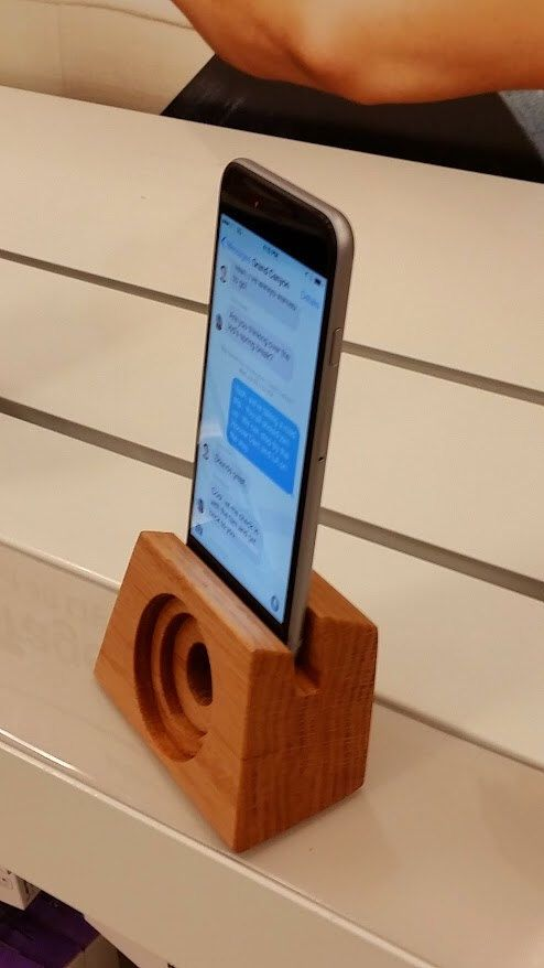 Iphone 6 wooden speaker by Bloodwood on Etsy https://www.etsy.com/listing/206057500/iphone-6-wooden-speaker