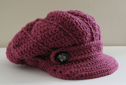 This hat would make a lovely addition to an older woman's church or business wardrobe.  Pattern is $5.