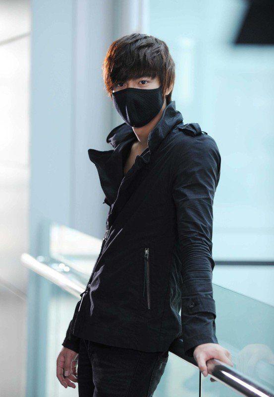 Lee Min Ho in City Hunter....probably my favorite Korean Drama!