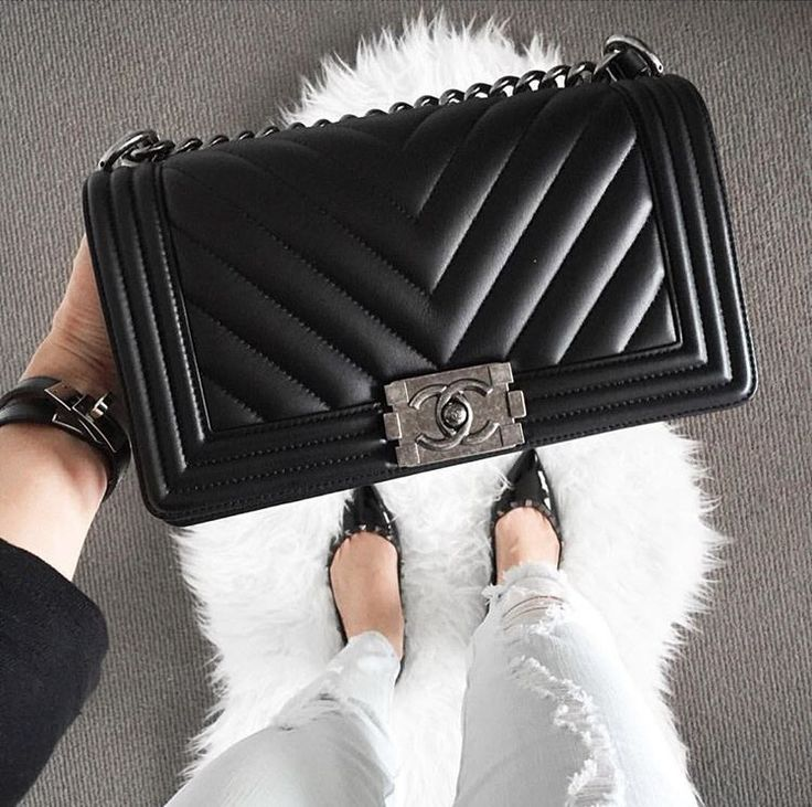 262 best images about chanel boy bags on pinterest chanel bags women 39 s handbags and handbags. Black Bedroom Furniture Sets. Home Design Ideas