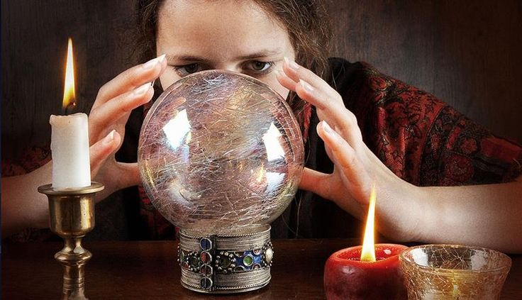 Should You Consult A Psychic? Here Are 9 Reasons Why