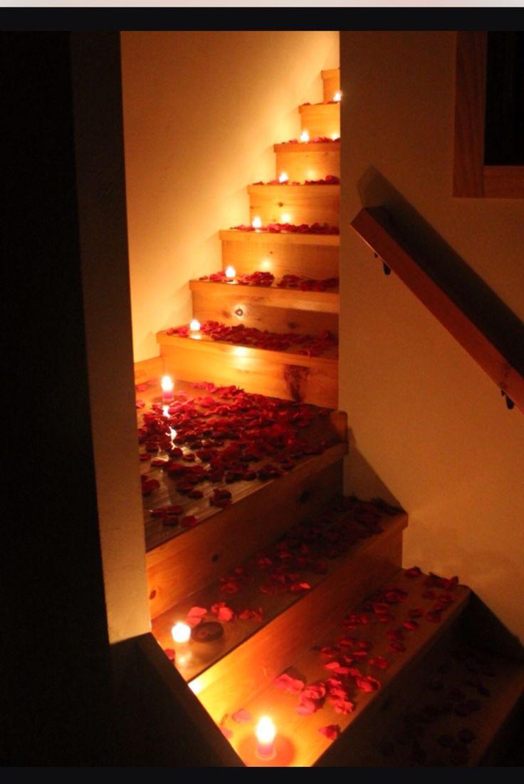 Romantic bedroom rose petals - 14 Romantic Ways To Use Rose Petals