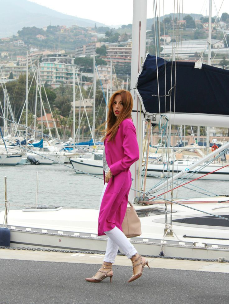 elisa bellino, theladycracy.it, fashion editorial, luca barra jewels, fashion outfit, fashion week, marketing relazionale, fucsia coat asos, mango look, white pants, stripes blouse, valentino rockstud
