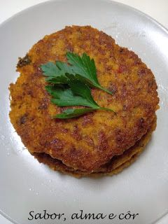 sabor, alma e côr: Burguer de millet, alho francês e grão com cogumel...
