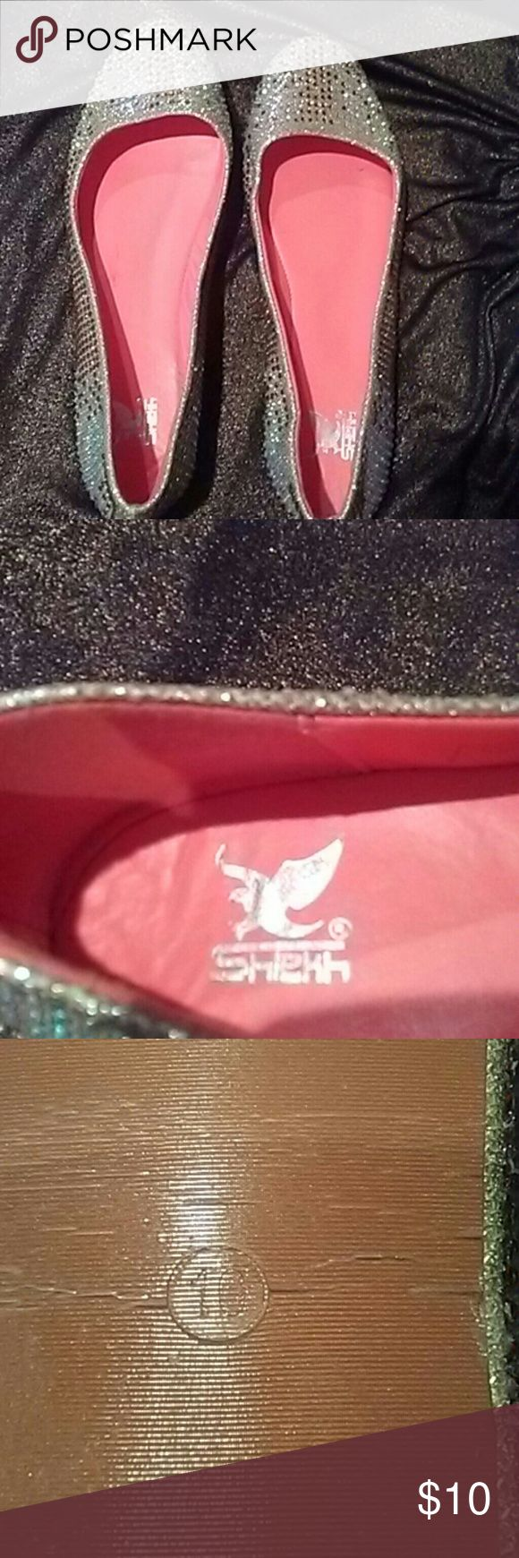 Gorgeous Gorgeous beaded shoes Tooo tight says 10 fits like 8 1/ 2 -9 Narrow shekh Shoes Flats & Loafers