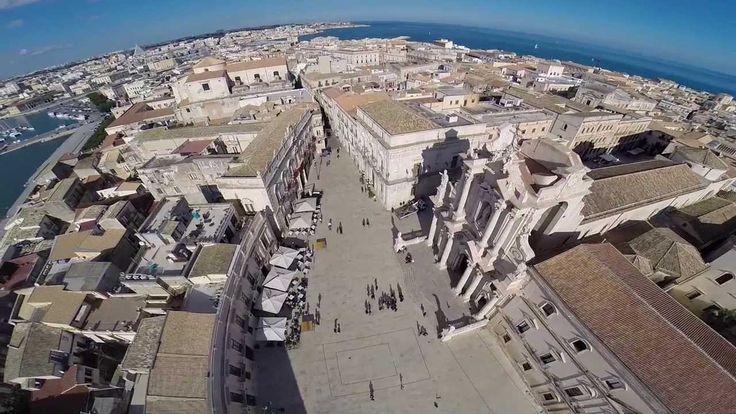 Vista aerea del Centro storico di Ortigia in Siracusa - Italy (+playlist)
