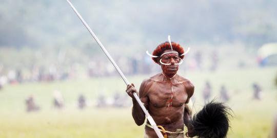 "Menko Kesra sebut kelaparan di Papua bukan masalah kronis - Yahoo! News Indonesia.  Jawaban Petisi Warganegara NKRI untuk Papua: ""Menko Kesra sebaiknya membaca Tulisan online berjudul ""MOP Papua: Kematian Massal Terjadi Dua Kali di Era Otsus"".  Salam amalulukee."