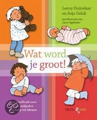 Wat word je groot! - Anjo Geluk - € 15,95 - 9789049998578. Alle mijlpalen van baby tot kleuter. Het eerste hapje en het eerste stapje van een kind worden in de meeste gevallen op beeld vastgelegd. Maar wat doen ouders met al die andere momenten die het herinneren waard zijn? LEES VERDER OF BESTEL BIJ TOPBOOKS VIA : http://www.bol.com/nl/p/wat-word-je-groot/1001004006420541/prijsoverzicht/?sort=price=desc=new