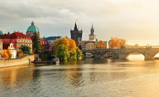 A linda paisagem de Praga, República Tcheca.  http://www.99traveltips.com/travel-tips/top-7-attractions-to-enjoy-in-prague-czech-republic/