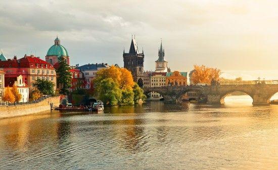 A linda paisagem de Praga, República Tcheca.  http://www.99traveltips.com/travel-tips/top-7-attractions-to-enjoy-in-prague-czech-republic/