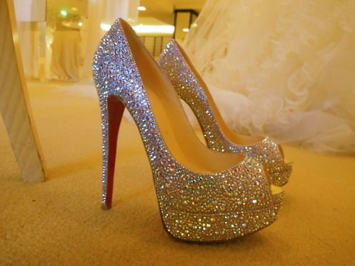 love theseProm Shoes, Walks, Wedding Shoes, Sparkly Shoes, Dreams Wedding, Glitter Shoes, High Heels, Christian Louboutin, Bling Bling