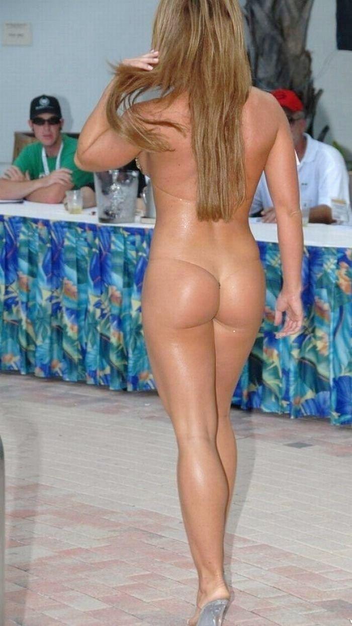 big butt dominant woman