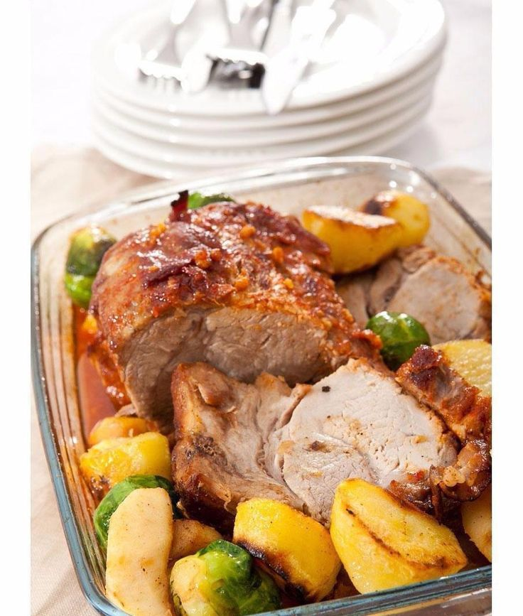 Pork with Brussels sprouts and apples