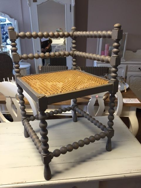 Antiek franse hoekstoeltje met bol poten   Franse brocante meubels   Pinterest   Met