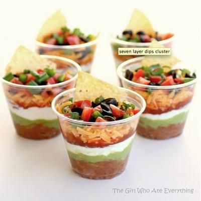 Love this idea for 7 layer dip!Good Ideas, Cups, Tacos Dips, Beans Dips, May 5, Parties Ideas, Seven Layered Dips, Party Ideas, Parties Food
