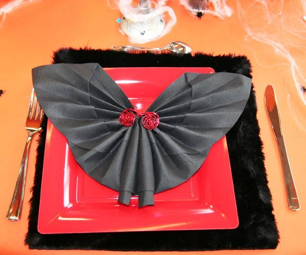 86 best le pliage de serviettes images on pinterest napkin folding how to fold napkins and. Black Bedroom Furniture Sets. Home Design Ideas