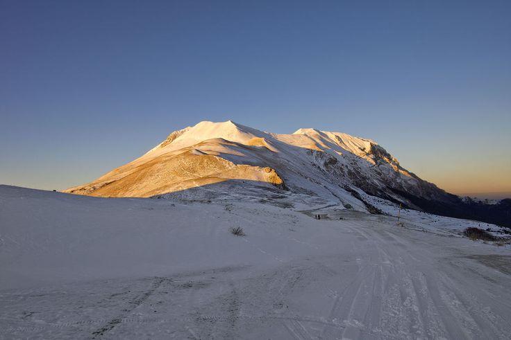 Il Monte Vettore al Tramonto da Forca di Presta
