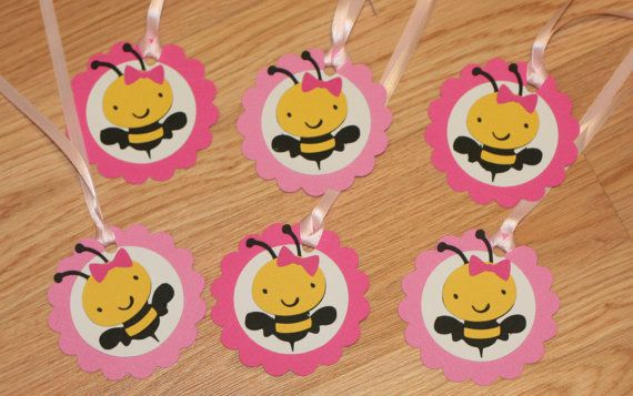 Rosa y amarillo Bumble Bee soy 1 silla alta bandera abeja soy