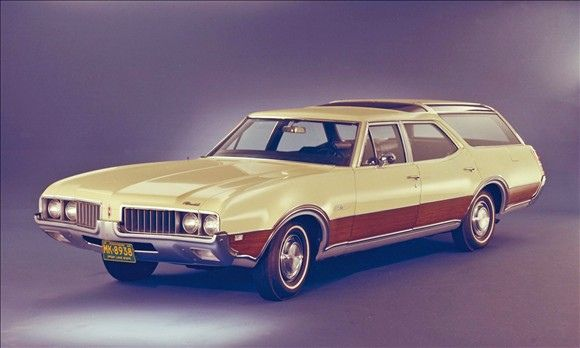 1969 Oldsmobile Cutlass Supreme Vista Cruiser