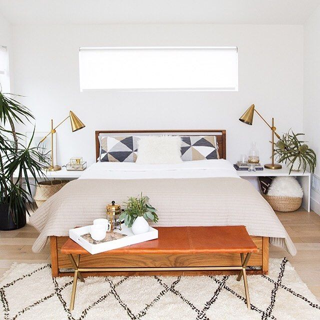 Wow this bedroom makeover by @sarahshermansamuel is Such a great after pic dont you agree? And how bout those lamps for less? Yep I got you: http://wp.me/p7r27P-4vF #CopyCatChic