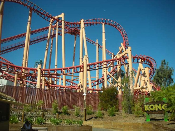 Kong Is A Steel Suspended Looping Coaster Made By Vekoma Located At Six Flags Discovery Kingdom In Vallejo California Descrip Roller Coaster Trip Six Flags