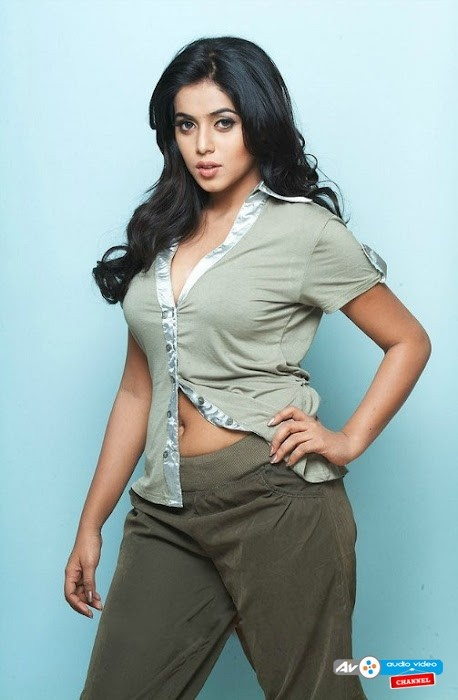 Shamna Kasim (Poorna) More @ http://audiovideochannel.com/collection/9/photos/Shamna-Kasim-Poorna