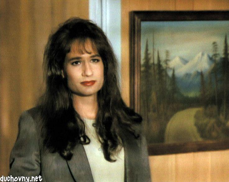 agent denise bryson [twin peaks]  David Duchovny in Twin Peaks  He sure is pretty