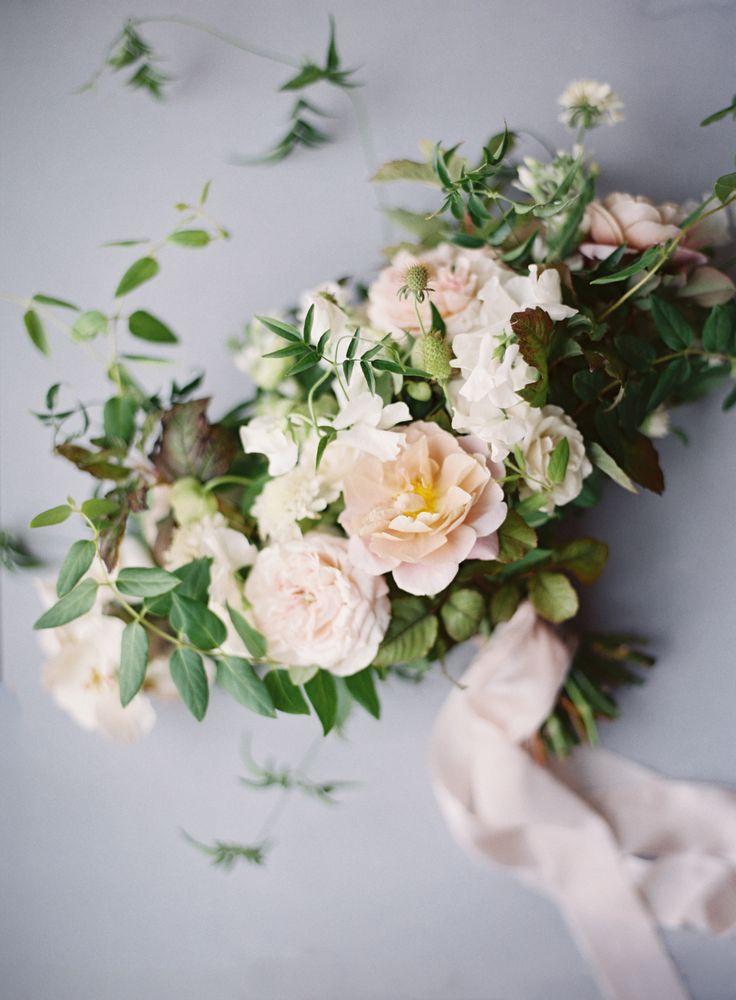 blush garden rose bouquet   Photography: Kurt Boomer