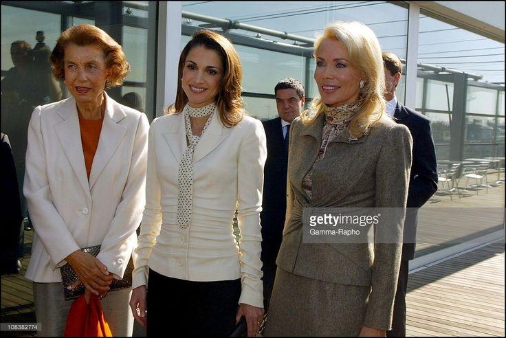 2002, Liliane Bettencourt Queen Rania of Jordan Begum Inaara Aga Khan in... Photo d'actualité | Getty Images