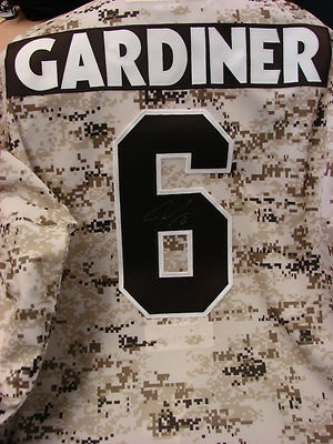 Bid now on an autographed #6 Jake Gardiner Toronto Marlies Camo Jersey. Proceeds go to the MLSE Foundation. Auction closes on May 10th!