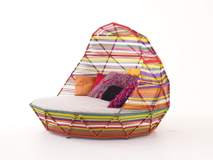 Tropicalia Daybed   Patricia Urquiola