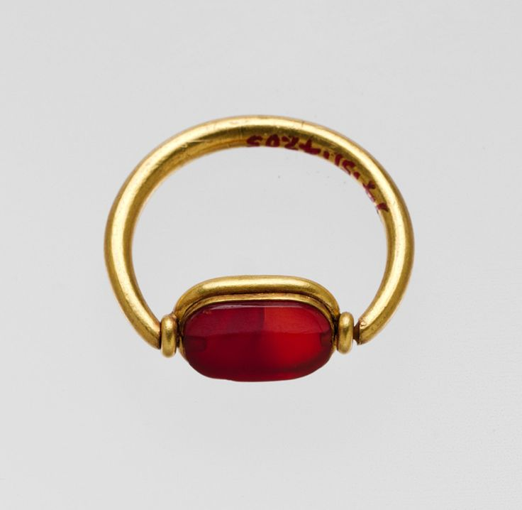 Gold ring with carnelian ring stone, Greek,   Classical period, 5th century BC