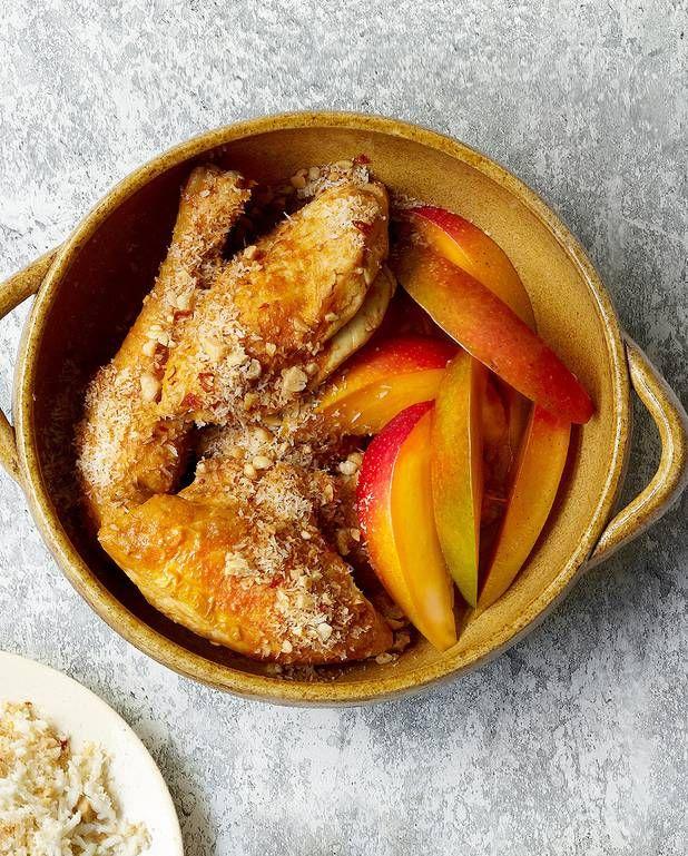 Curry de poulet à la mangue et noix de coco grillée épicée pour 4 personnes - Recettes Elle à Table