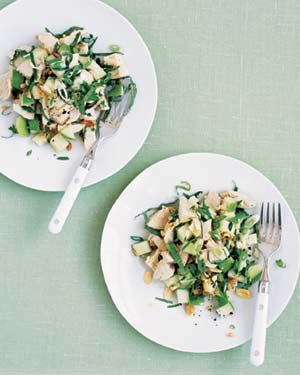 MY FAVORITE! Chicken Salad With Apple and Basil|Cool down with this refreshing, protein-packed salad that's made up of Granny Smith apples, mint, and basil.